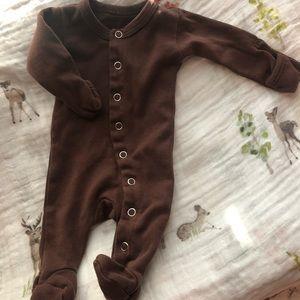 L'oved baby newborn footie sleeper brown EUC